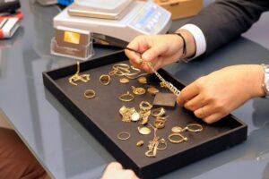 Как сдать золото в ломбард на выгодных условиях